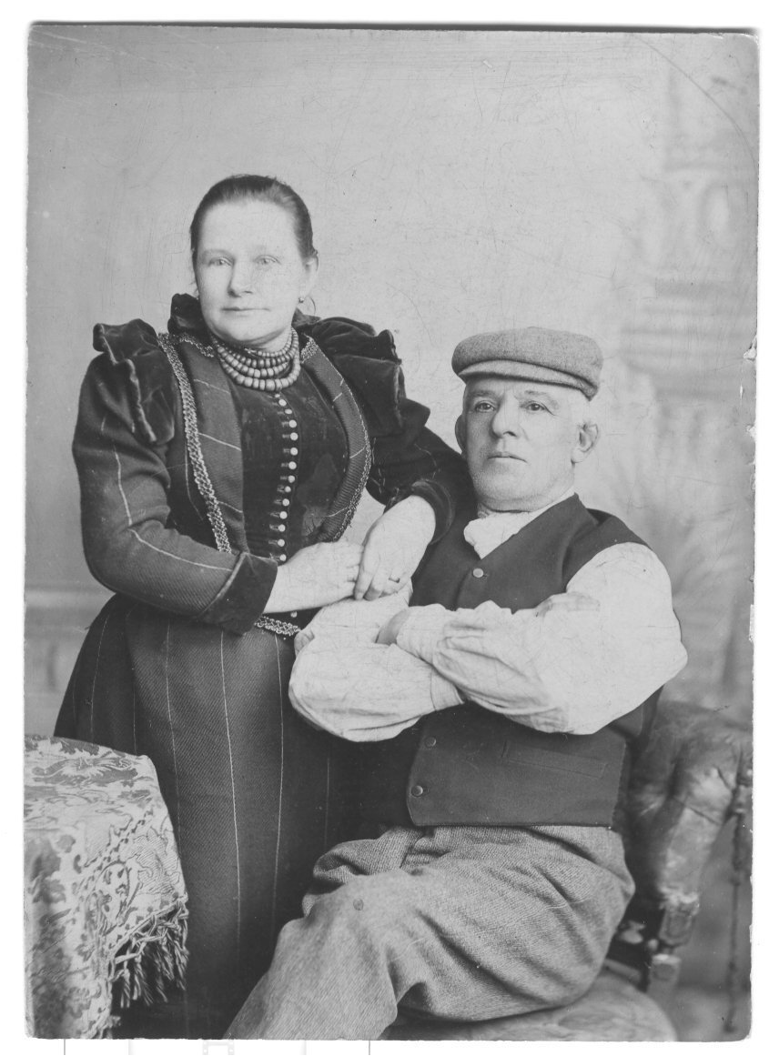 Elizabeth-Marshall-John-Malkin-Photo