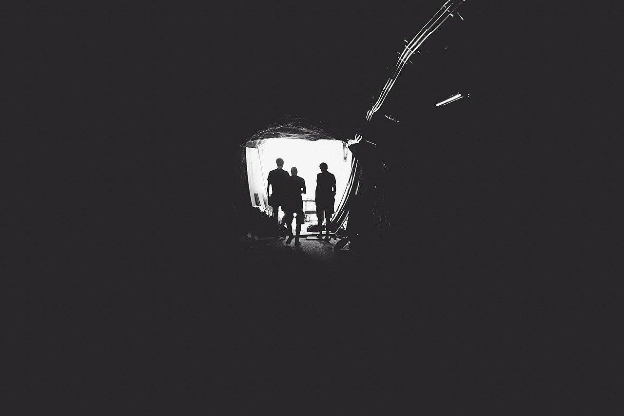 tunnel-336543_1280