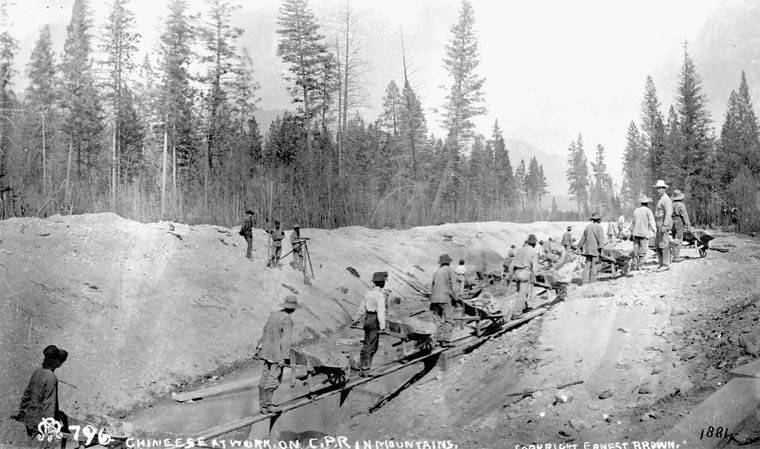 Chinese_at_work_on_C.P.R._Canadian_Pacific_Railway_in_Mountains_1884