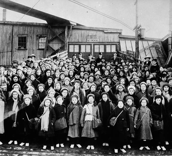 British immigrant children from Dr. Barnardo's Homes at landing stage