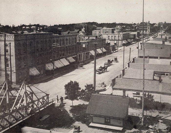 Fenelon-1895-Colborne-Street-700x543