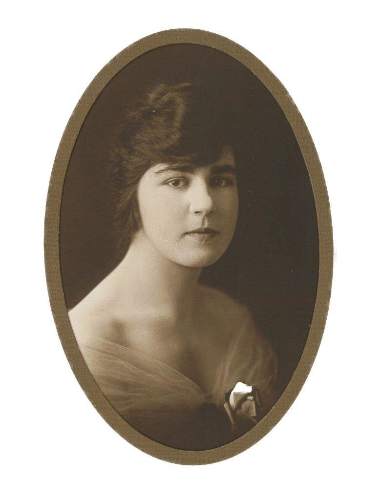 Eveline Harris