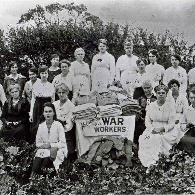 Women Working c 1915